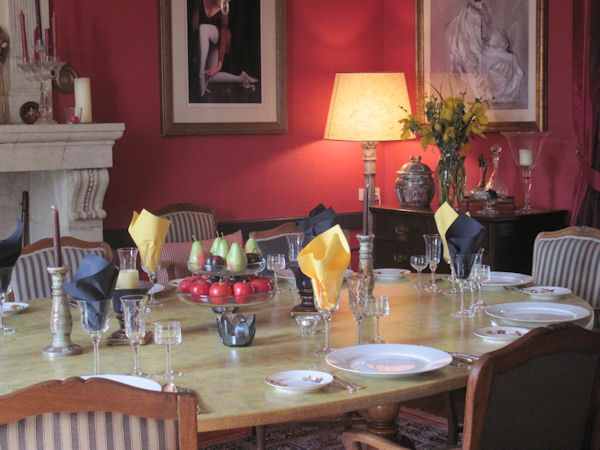 Lovely ambience in the dining roomdining room