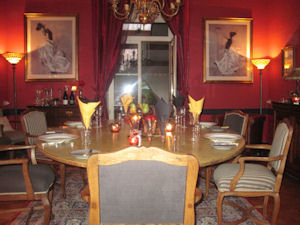 Elegant dining room at Manoir de Gourin 3928